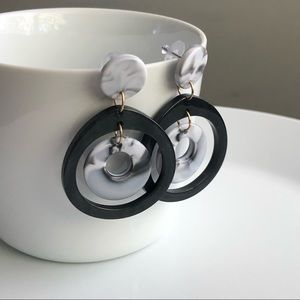 Jewelry - NEW Acrylic round earrings